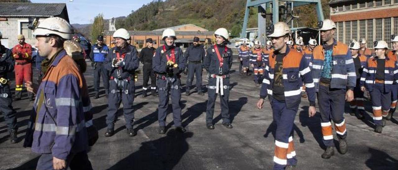 Los sindicatos mineros dan un ultimátum de un mes al Gobierno para emplear a los excedentes