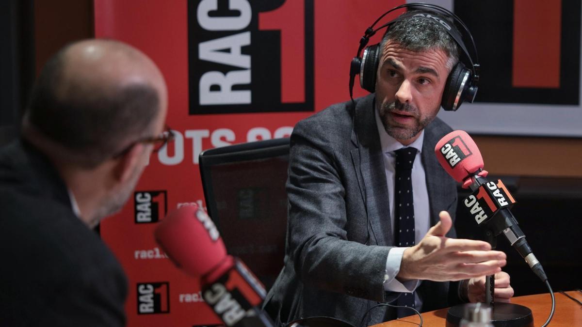 Santi Vila a una entrevista a Rac1