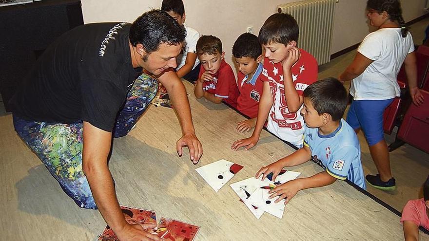 Los niños se familiarizan con Joán Miró y el surrealismo