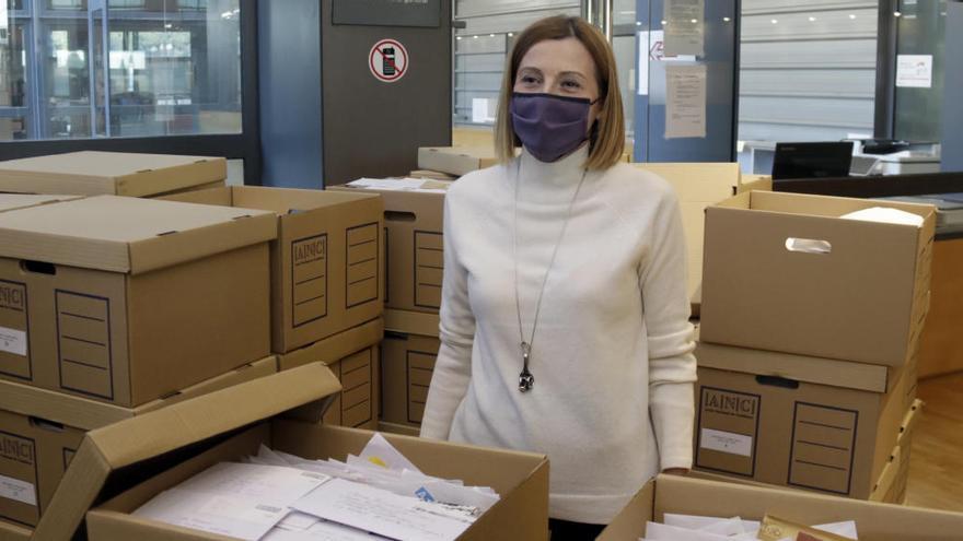 Forcadell lliura a l'Arxiu Nacional les cartes que ha rebut a la presó