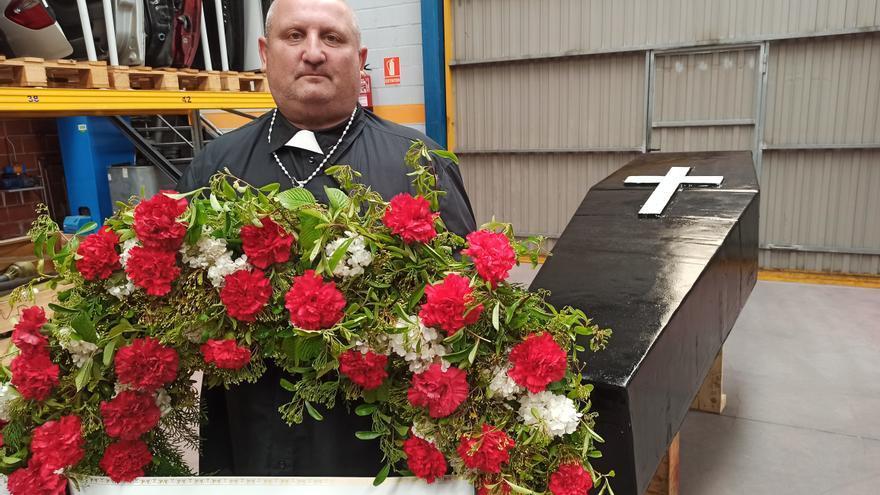 """El Suroccidente organiza su propio """"funeral"""": la original forma con la que protestan por el """"argayón"""""""