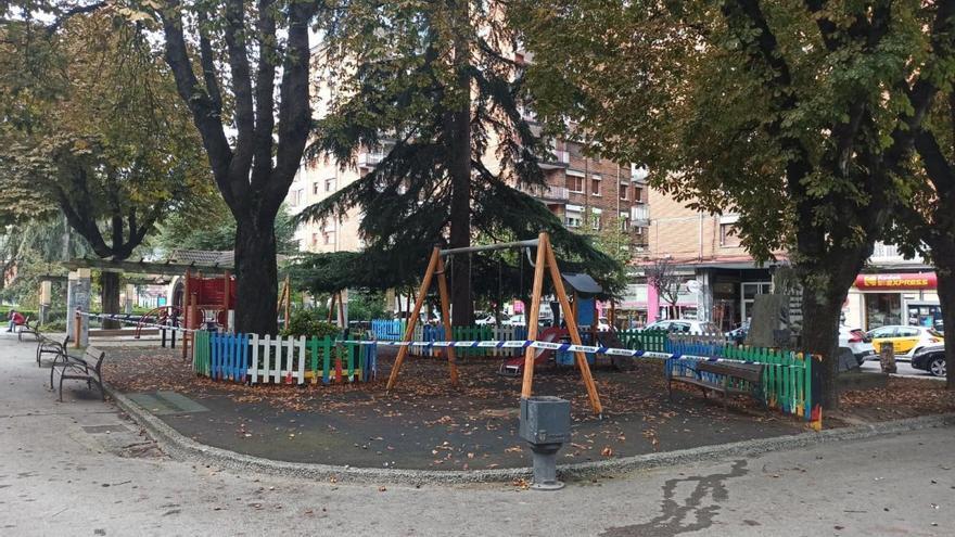 San Martín se suma a Langreo y cierra los parques infantiles y las canchas deportivas
