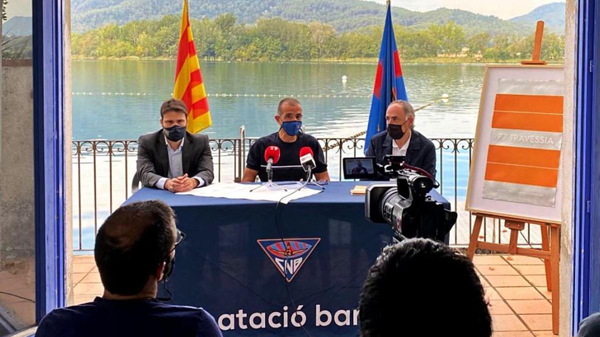 Jordi Congost, Albert Comas i Antoni Bramon, en la presentació de la Travessia.   CN BANYOLES
