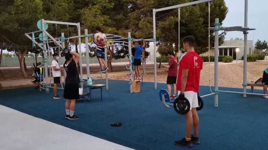 El Ayuntamiento de Pilar de la Horadada ofrece las instalaciones municipales al aire libre a los centros deportivos privados