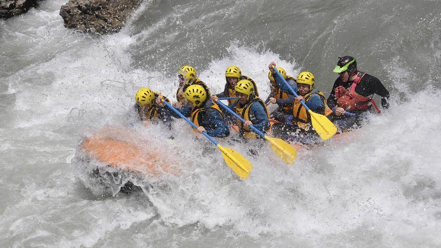 La Diputación reúne a 75 universitarios de 23 nacionalidades para promocionar el turismo activo en la Costa Blanca
