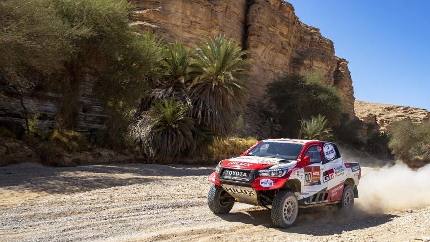 Peterhansel gana la novena etapa del Dakar y Sainz sigue líder por 24 segundos