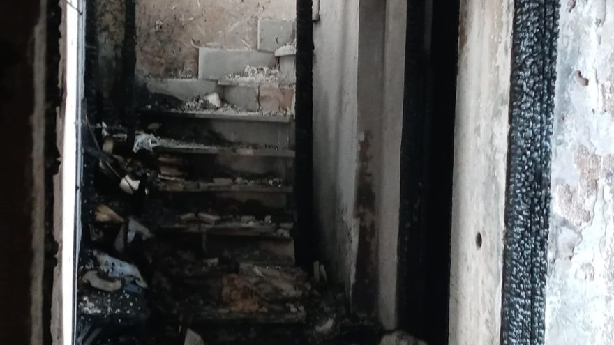 Dos heridos en el devastador incendio de un ático en el centro de Palma