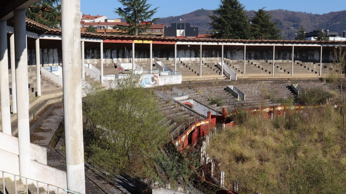 Estado actual de la plaza de toros de Oviedo.