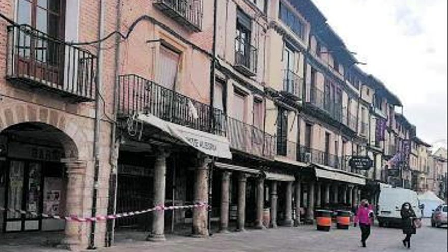 Ciudadanos advierte del deterioro de un edificio ubicado en la Plaza Mayor de Toro