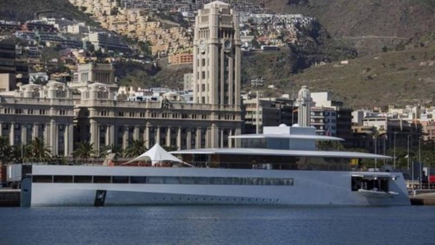 Atraca en Tenerife el yate de Steve Jobds