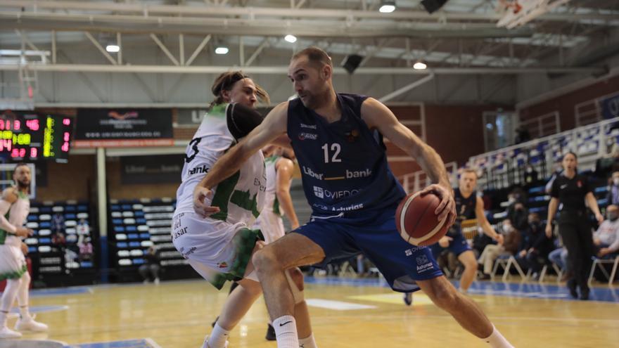 Un perfil del capitán del Oviedo Baloncesto: Arteaga y la eterna juventud