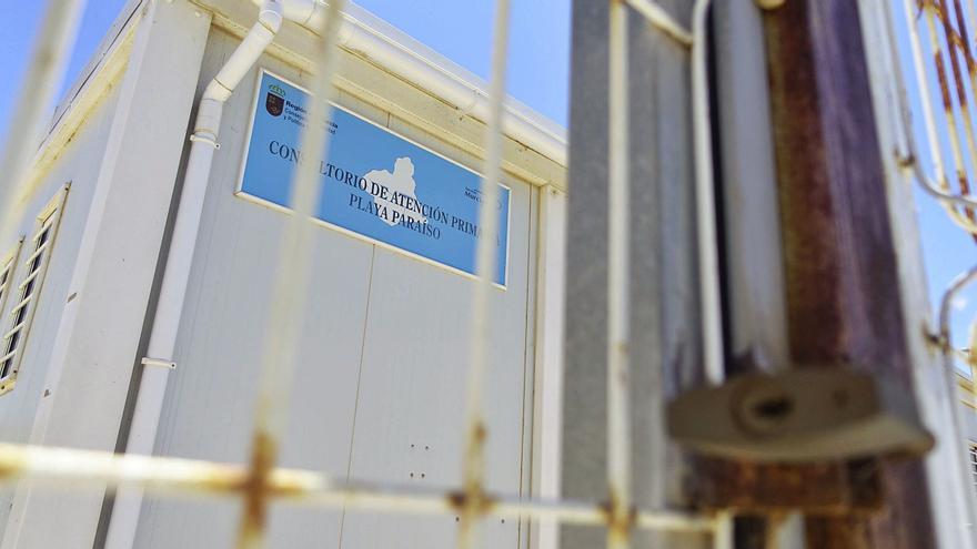 Once consultorios siguen cerrados después de un año de pandemia