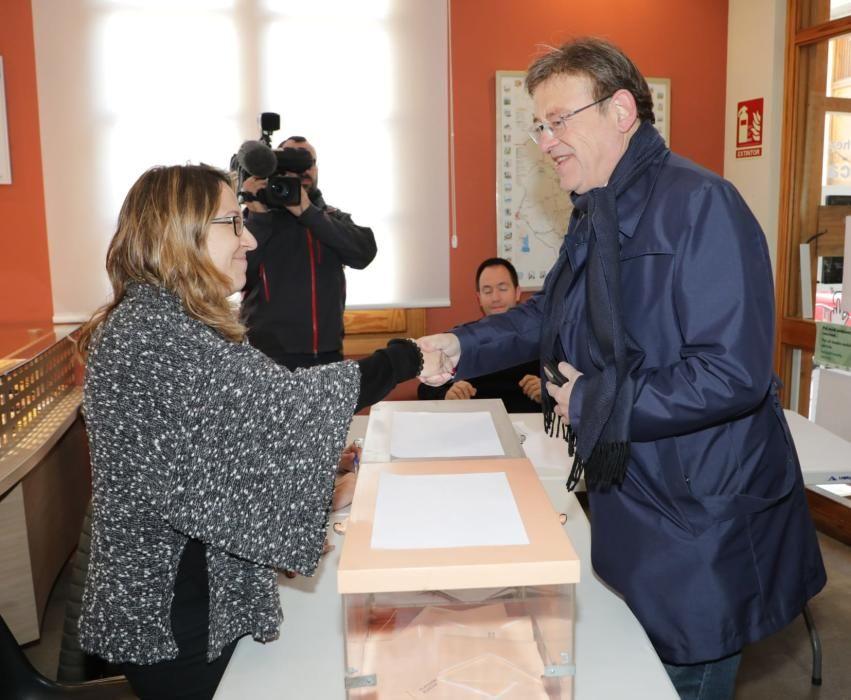 Los políticos valencianos acuden a las urnas