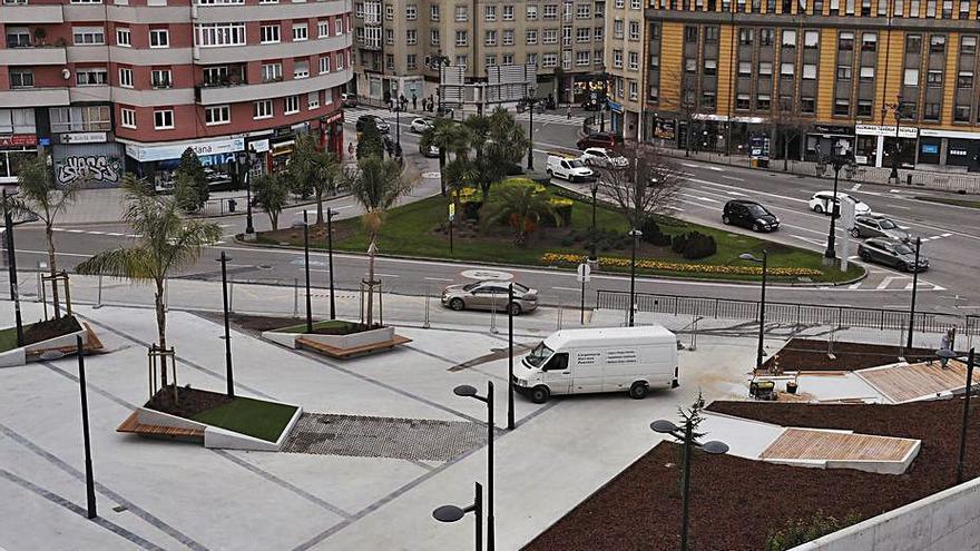 Oviedo dedicará una plaza a la poesía y una calle a los aparejadores en el Vasco