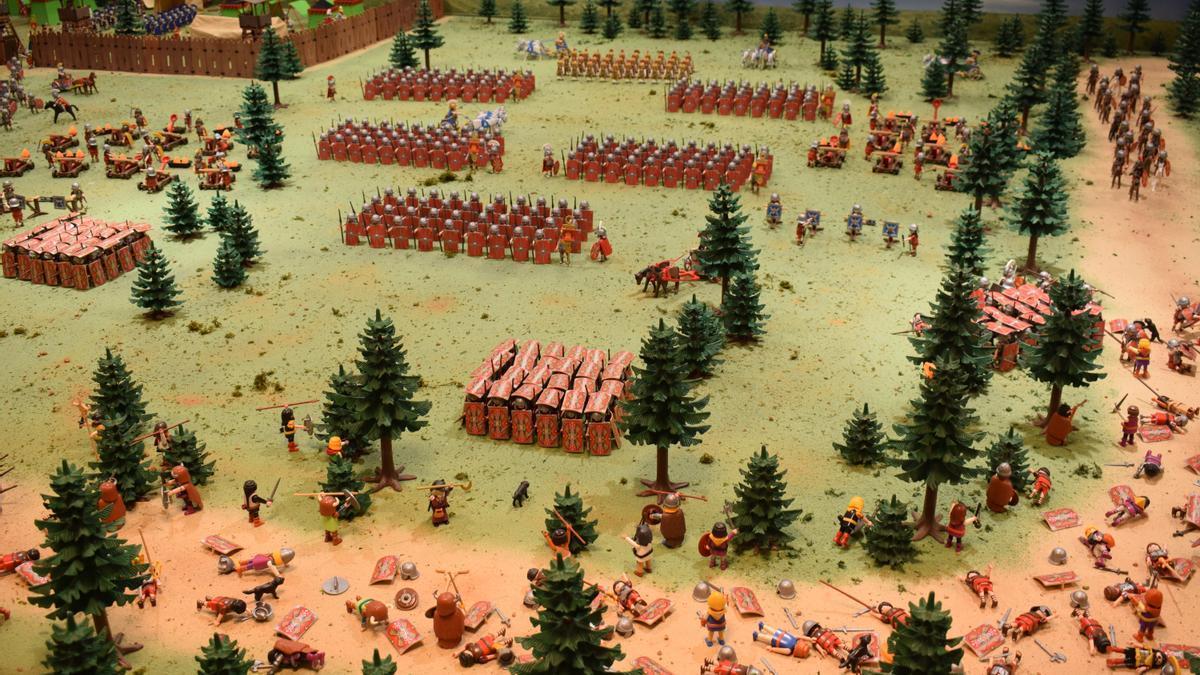 Los organizadores recrean una escena de batalla con los clásicos Playmobil