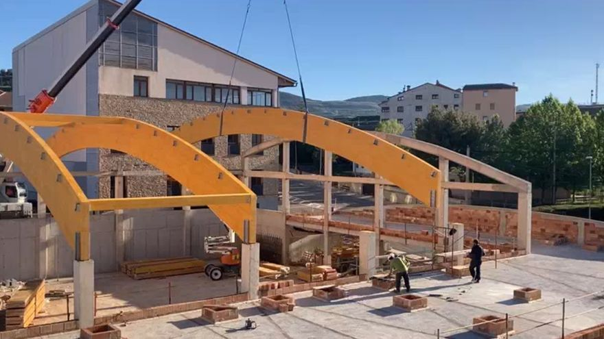 Cantavieja recibe ayuda del Gobierno para reconstruir el pabellón derrumbado por la borrasca 'Gloria'
