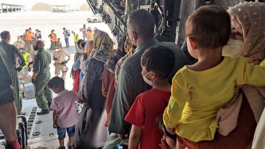 ENCUESTA | ¿Cómo crees que está gestionando el Gobierno la evacuación de Afganistán?