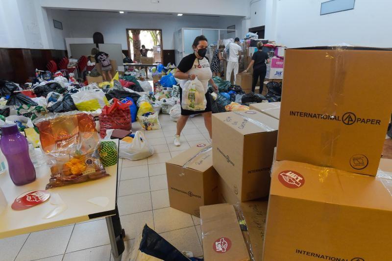Recogida de ayuda para los damnificado de La Palma en UGT