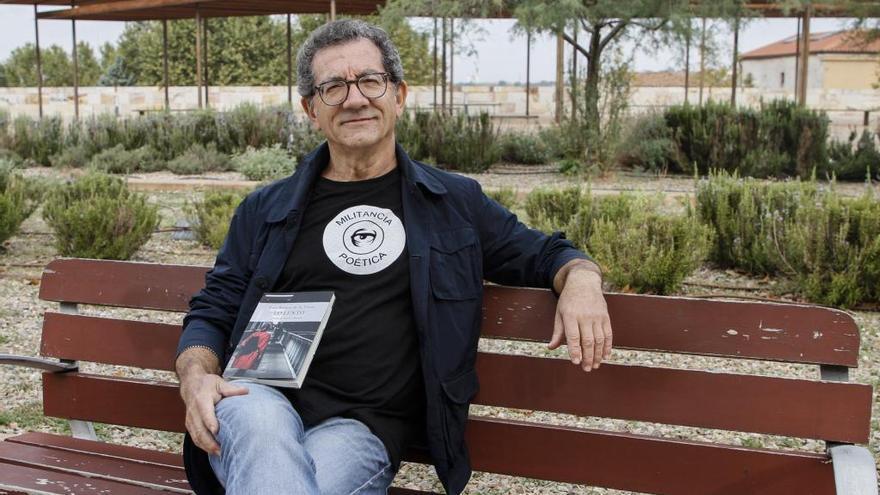 """Luis Ramos presenta su primer libro de relatos """"Con los ojos del frío"""""""