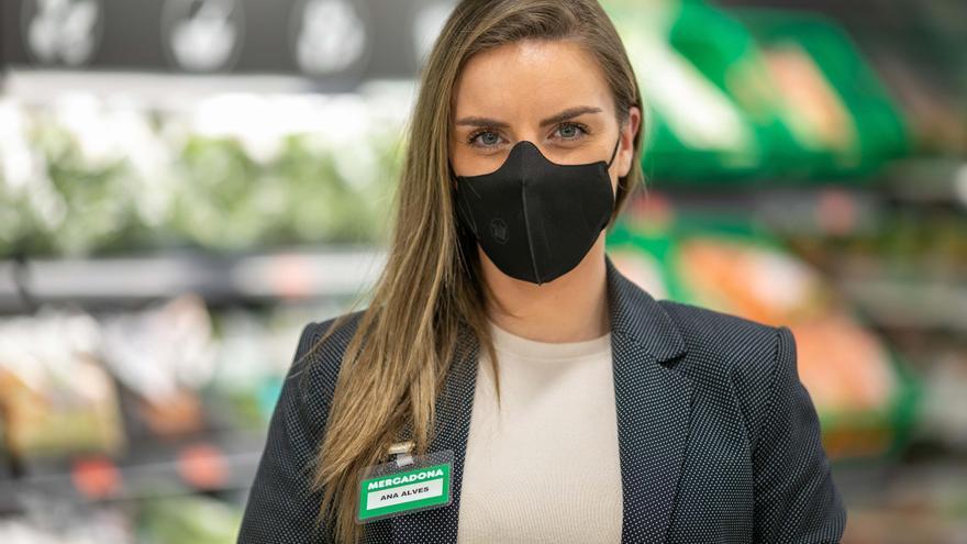 Mercadona invierte 5 millones en mascarillas corporativas reutilizables para su plantilla