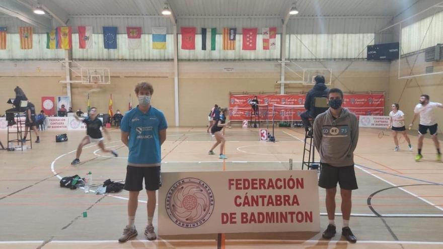El CB A Estrada conquista tres metales en el Máster de Cantabria