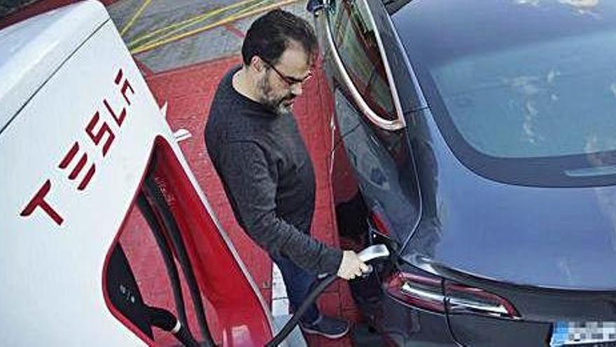 Tesla s'endolla a Girona