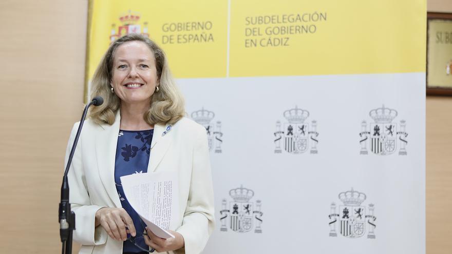 """Calviño llama a la colaboración público-privada para sacar el """"máximo partido"""" a los fondos europeos"""
