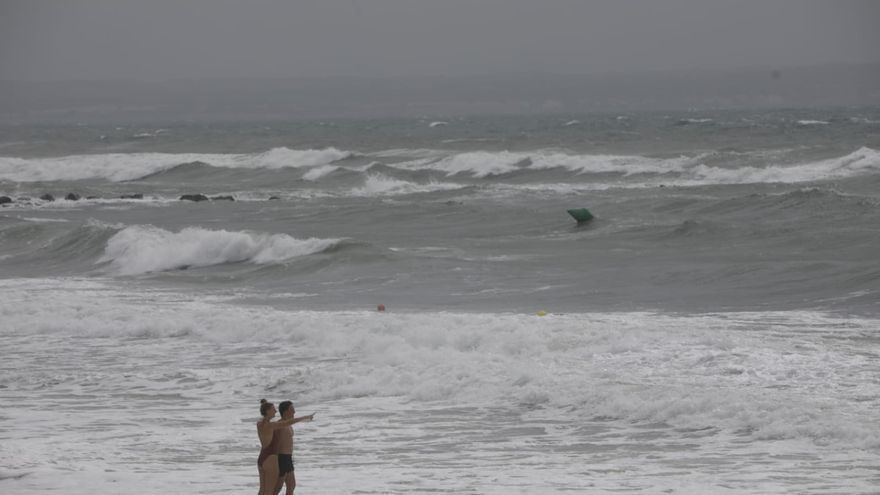 Borrasca Álex en Mallorca: Vientos de 80 kilómetros, olas de 5 metros y lluvias por la tarde