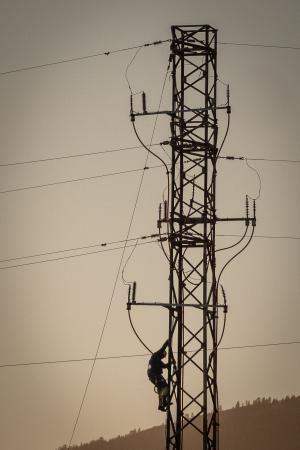 Caída de cableado eléctrico en Arico.