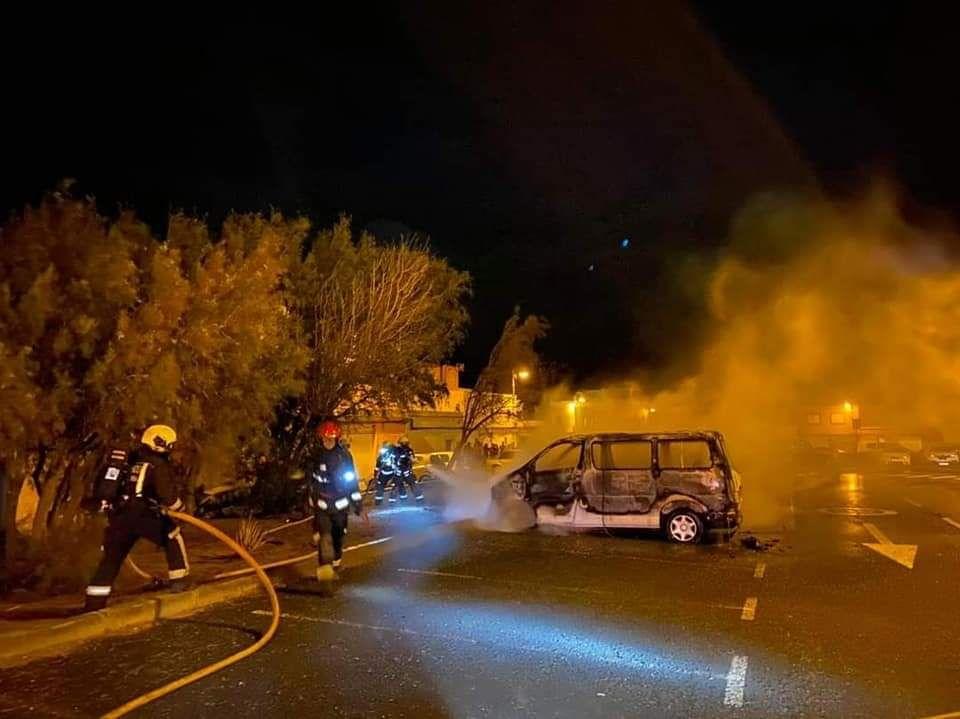 Incendio de coches en Pozo Izquierdo
