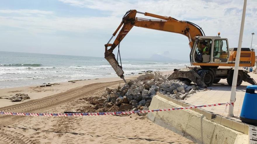 Bellreguard estrena el recorte de hormigón en el mar tras la lección del temporal Gloria