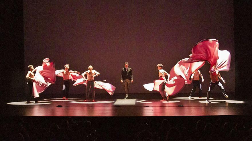 Carmona rompe las cadenas del flamenco