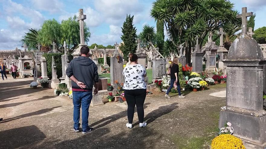 Lletra menuda | El pálpito humano y social de los cementerios
