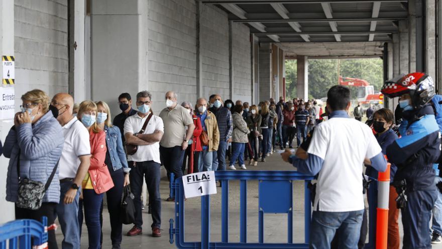El Molinón cierra como punto de vacunación ante la concentración de actos en la zona durante el verano