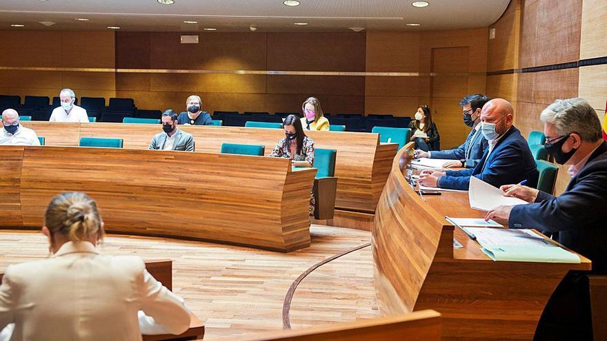La continuidad del jefe jurídico evita el consenso sobre el cierre de Divalterra