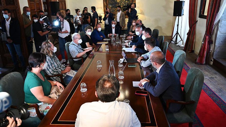 Los afectados por el volcán de La Palma solicitan un plan de reconstrucción de sus pueblos