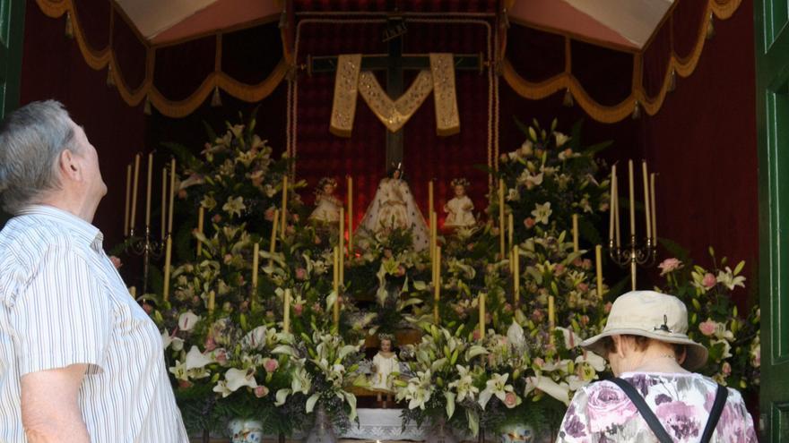 Puerto de la Cruz anima a enramar las cruces en las Fiestas de Mayo