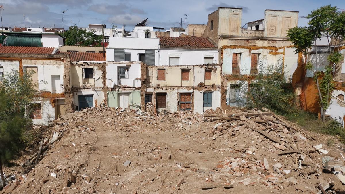 La semana pasada se derribaron inmuebles de los números pares de la calle Eugenio Hermoso.