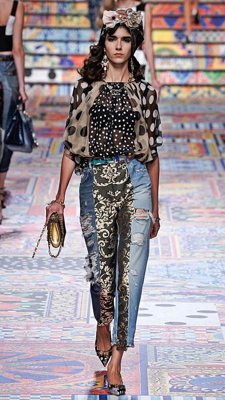 Rebeca Solana ayer desfilando para Dolce & Gabbana en Milán.