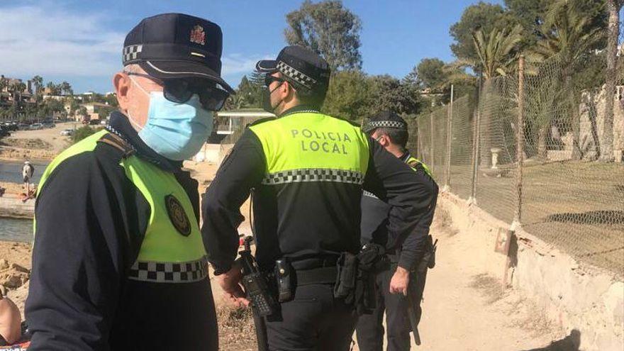 Un policía sufre un infarto tras ayudar a detener a cuatro ladrones en Alicante