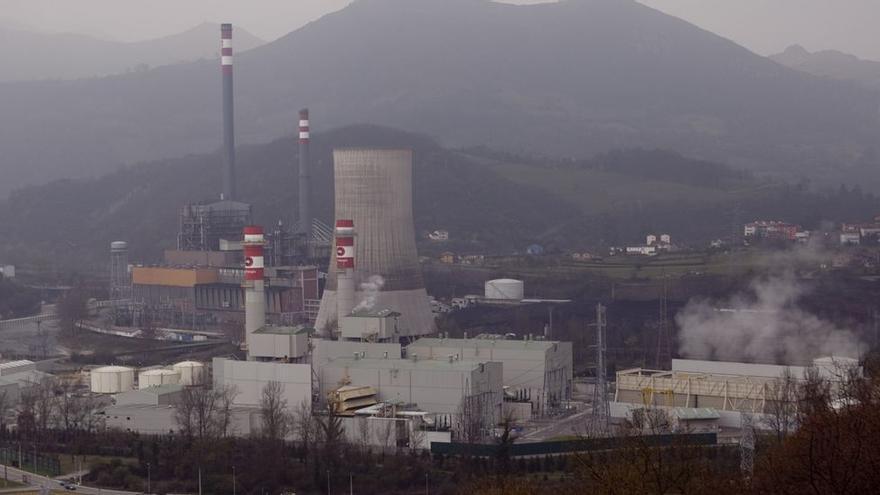 El precio disparado del CO2 golpea a la industria, mientras el Gobierno hace caja