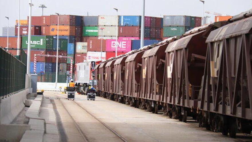 El Govern vol més transport ferroviari de mercaderies i menys camions en ruta