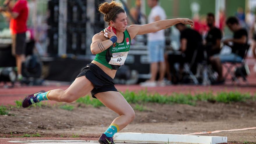 La alicantina Paula Ferrándiz bate el récord autonómico de lanzamiento de peso (15,54)