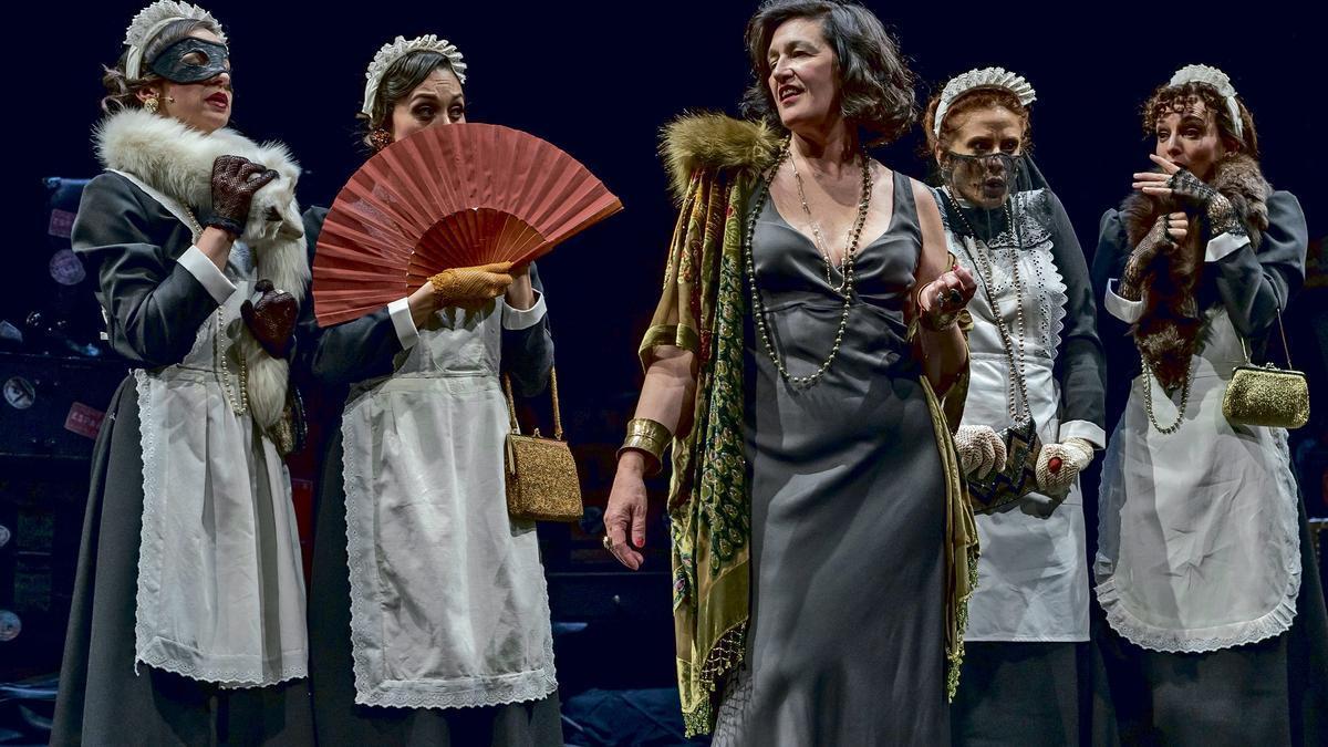 Una de las escenas de 'Tórtola' en el Teatro Rialto.