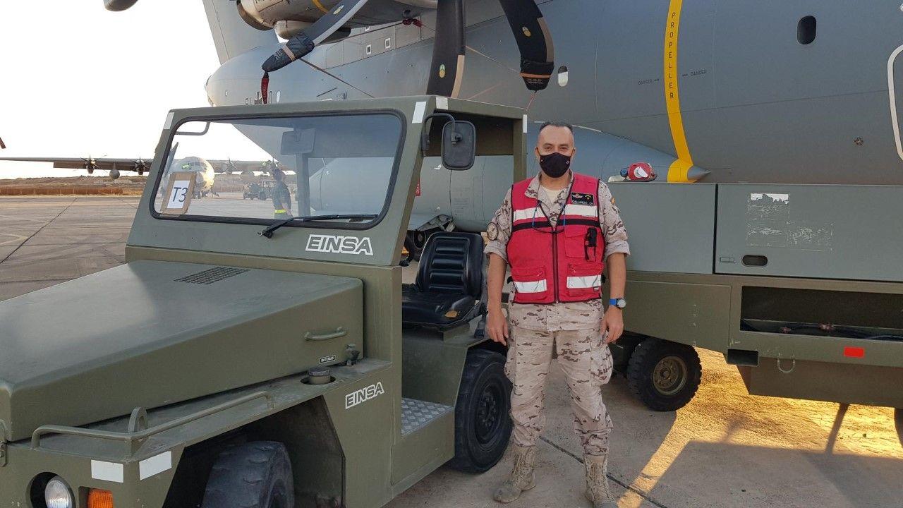 Jos� Luiz Mart�nez subteniente del Aer�dromo Militar de Lanzarote.jpg