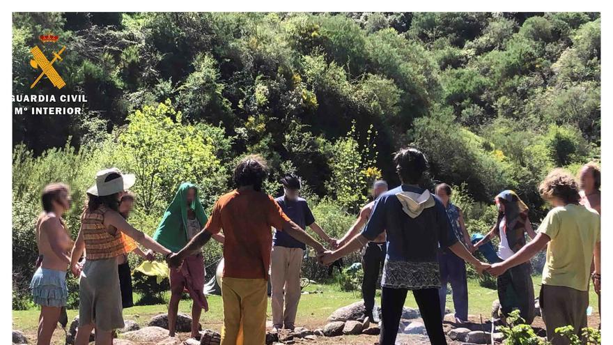 La 'acampada sexual' de la Familia Arcoíris en La Rioja se salda con 76 denuncias