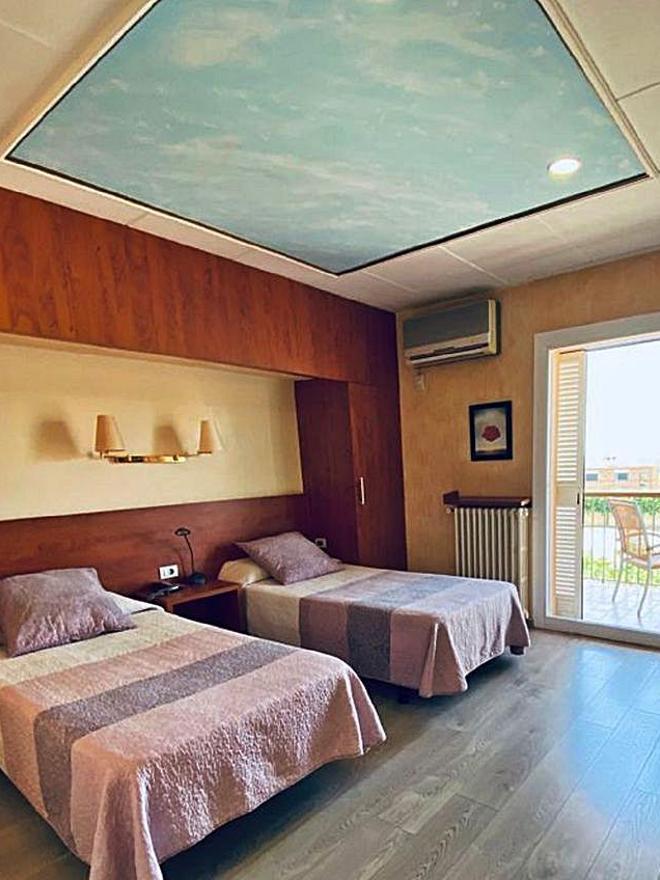 Una habitació àmplia i confortable