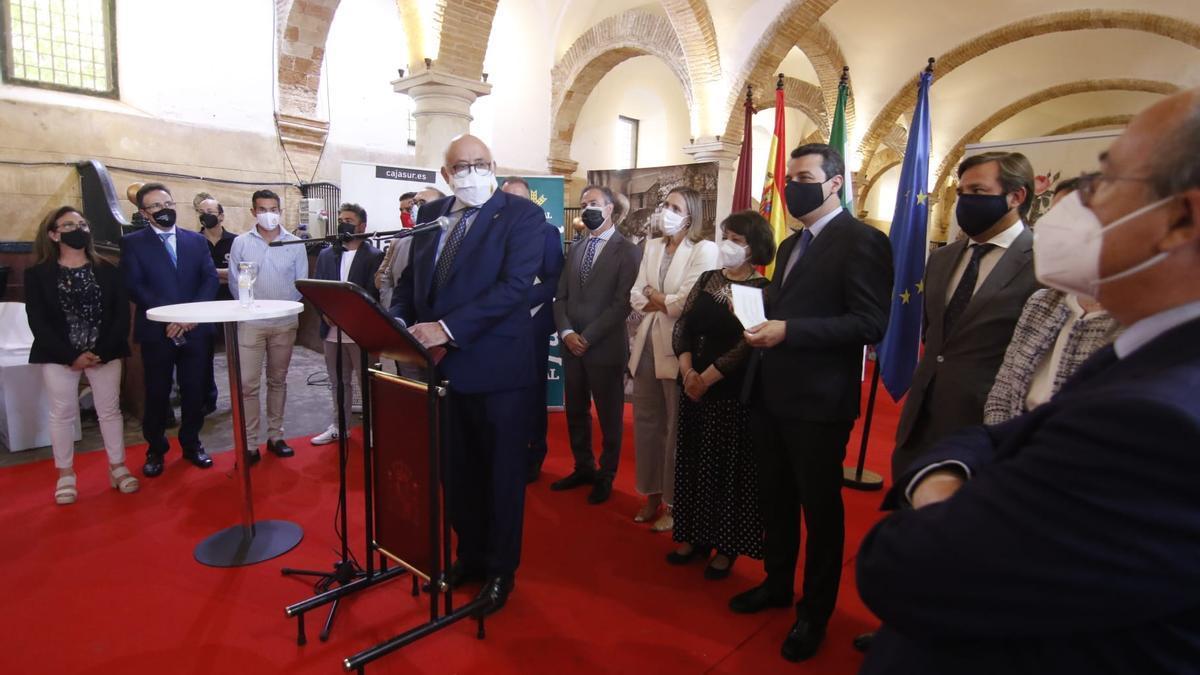 Las autoridades de la ciudad y provincia han acudido a la inauguración oficial de Enbarro