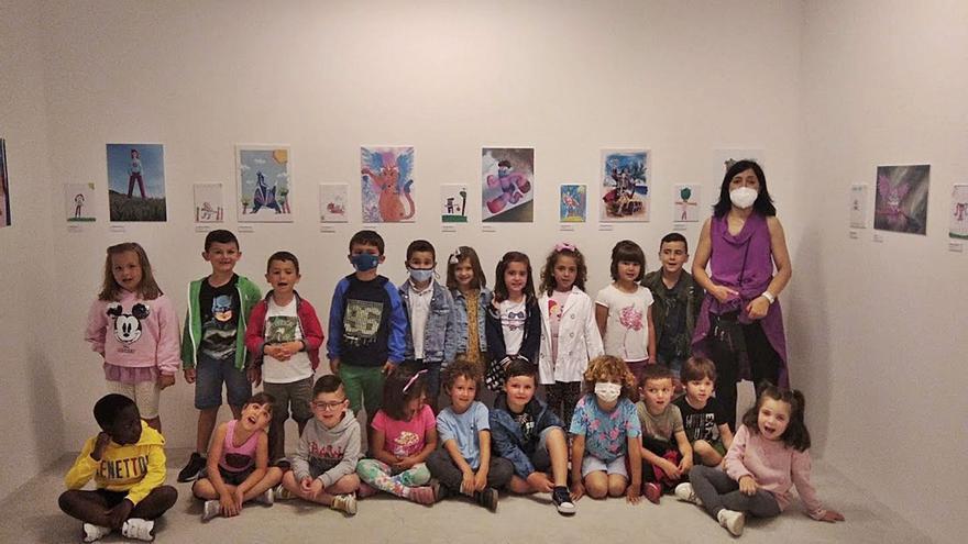 El Valey reúne al alumnado de El Vallín con la Asociación Lápices de Madrid