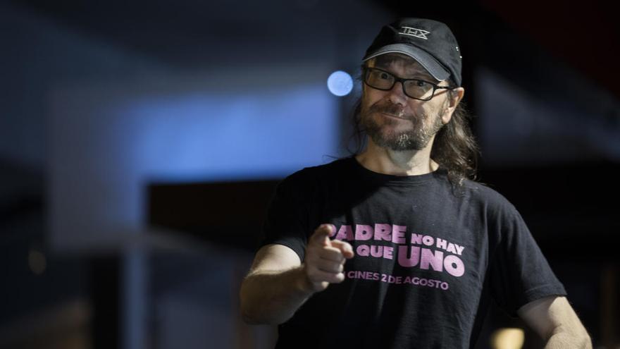 Santiago Segura adelanta su estreno mientras el miedo paraliza la industria
